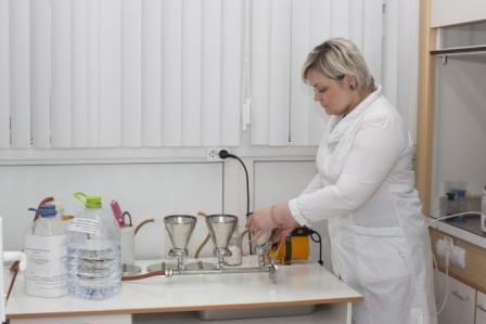 Исследование образцов воды на БГКП с помощью фильтровальной установки
