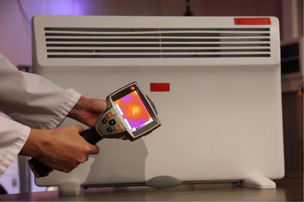 Подготовка к измерениям равномерности нагрева поверхности конвектора с помощью тепловизора