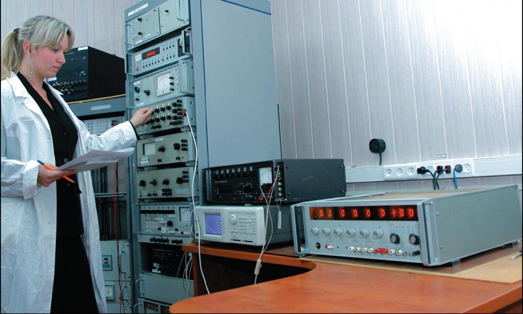 Рабочее место по поверке калибраторов постоянного тока, приборов для поверки вольтметров, компараторов постоянного тока.jpg