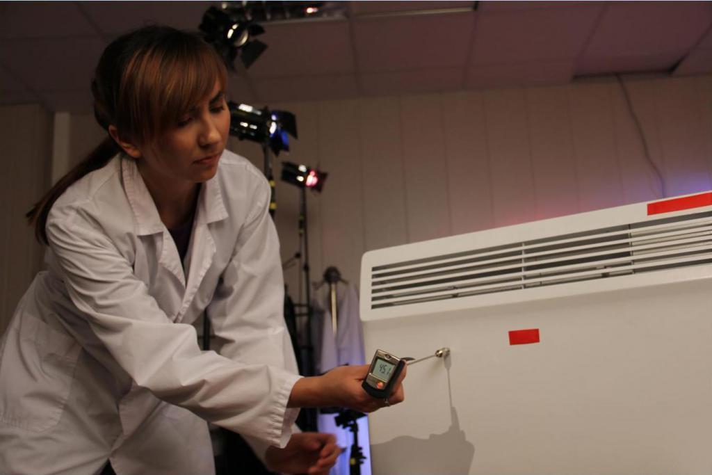 Замер температуры поверхности конвектора контактным термодатчиком в точках наибольшего нагрева