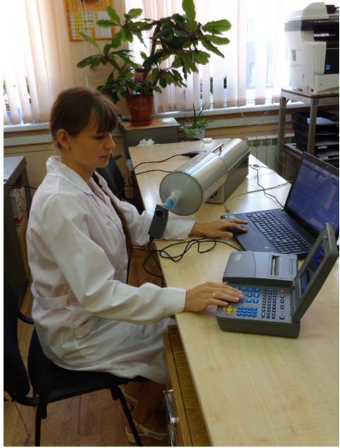 Рабочее место по поверке спирометрических приборов с использованием  установки поверочной «ГВП Фантом-Спиро».JPG